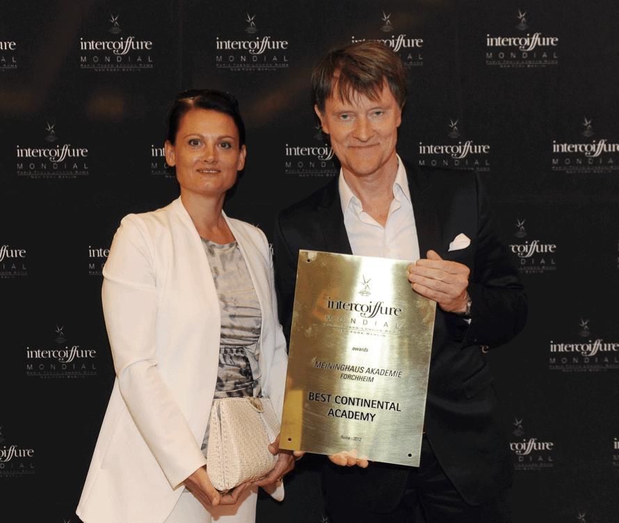 Herr & Frau Meininghaus mit Preis für Best Continental Academy